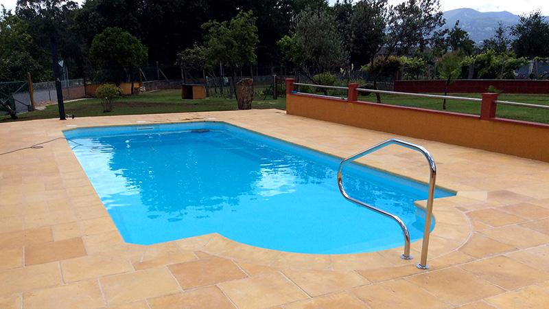 Piscinas de poli ster ancla piscinas for Piscinas intex modelos y precios